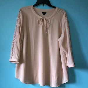 Talbots pink lace blouse. 2XP. NWT.
